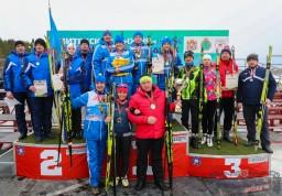 Команда госслужащих Витебской области финишировала первой на «Витебской лыжне-2019»