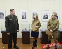 Более ста миниатюрных фигур представлено в выставочном проекте «Маршалы Победы» в Витебске